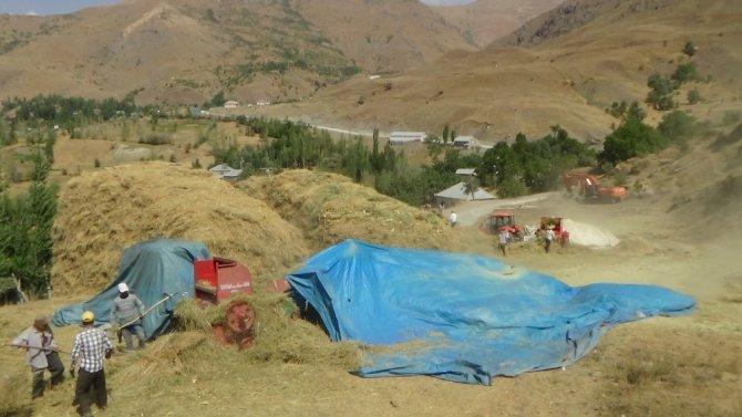 Çiftçilerin patoz mesaisi başladı