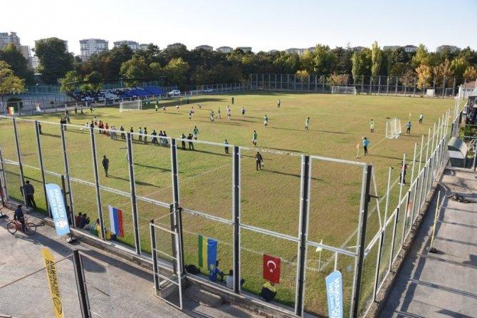 Kocasinan'da uluslararası futbol turnuvası başladı