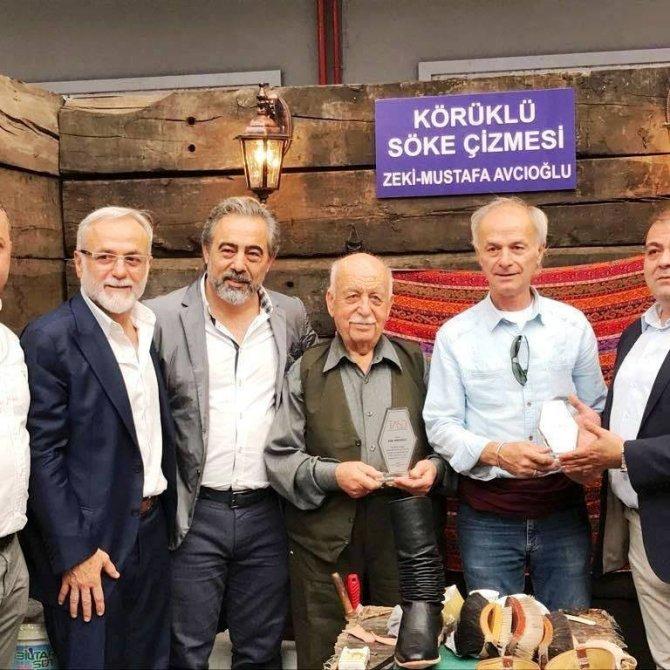 Aydın'ın körüklü çizmesini İstanbul'da tanıttı
