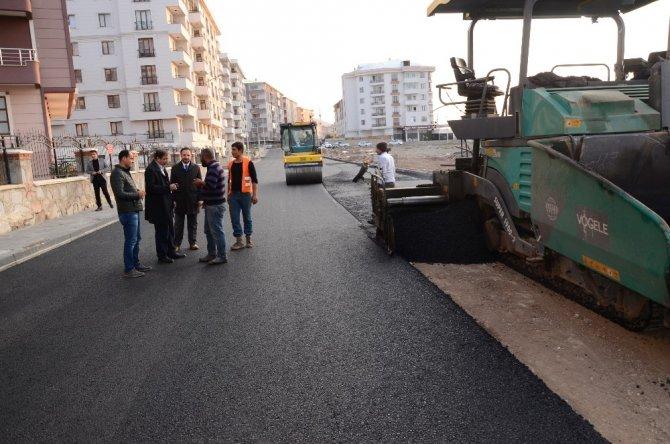Palandöken Belediyesi asfalt çalışmalarını hız kesmeden sürdürüyor