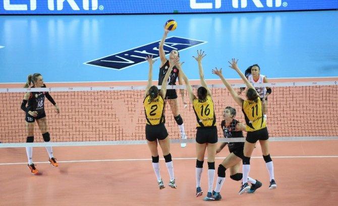 Vestel Venus Sultanlar Ligi: Eczacıbaşı VitrA: 3 - Vakıfbank: 0