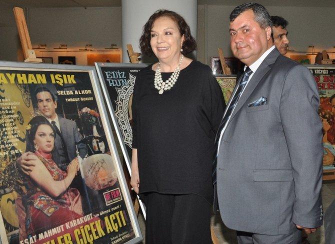 Kürkbaba'dan 'Yeşilçam Film Afişleri Sergisi'