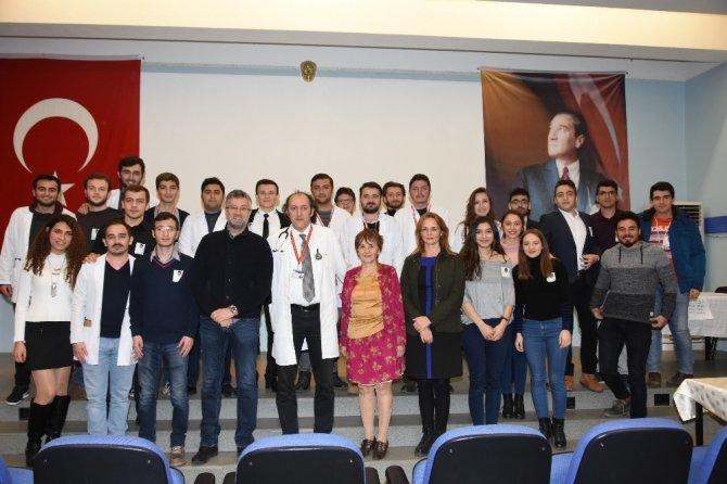 Dr. Aynur Dağdemir'i tıp öğrencileri yine unutmadı
