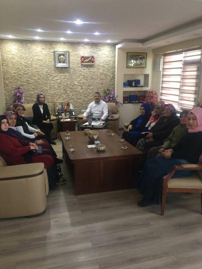 AK Parti Günyüzü İlçe Kadın Kollarından Başkan Arayıt'a ziyaret