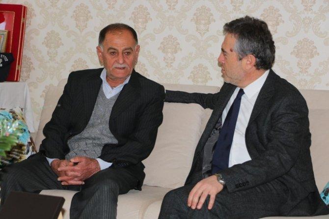 Bakan Yardımcısı Karabay, şehit ailelerine ziyaret