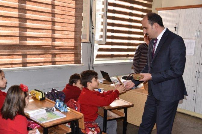 Konya'da öğrenciler doğa ve temizlik için yürüdü