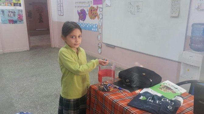 Öğrencilerden sınıflara Atık Pil Toplama Kutusu