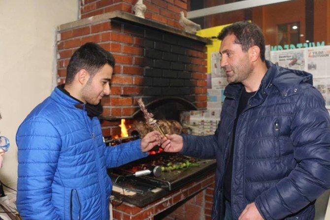 25 Martspor yöneticilerinden sporculara cağ kebabı dopingi