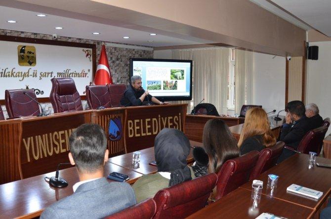 Yunusemre'de belediye personeline uyuşturucuyla mücadele semineri