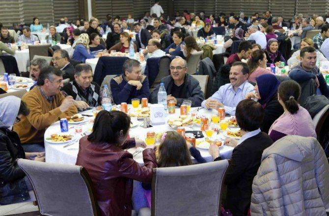 Başkan Karabağ, İzmir'de yaşayan Balıkesirlilerle buluştu