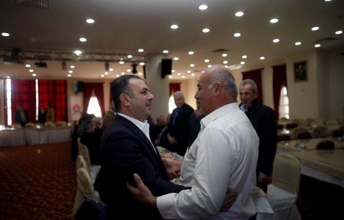 Başkan Ercan muhtarlarla kol kola