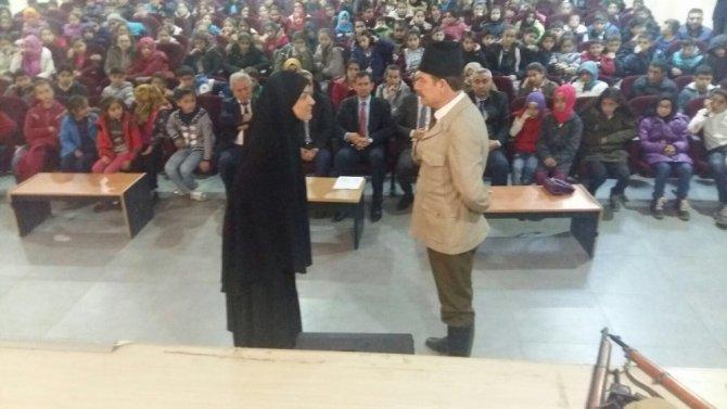 Midyat'ta öğrenciler için tiyatro düzenlendi