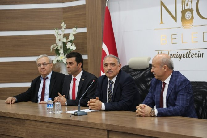 Niğde Belediye Başkanı Rifat Özkan'dan işçilere büyük jest