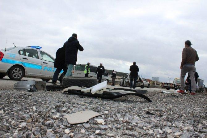 Sandıklı'da askeri kamyon otomobile arkadan çarptı: 1 ölü