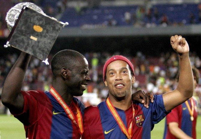 Ronaldinho futbolu bıraktığını açıkladı