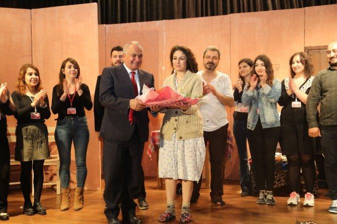 Erdemli Belediyesi Şehir Tiyatrosu'na ödül