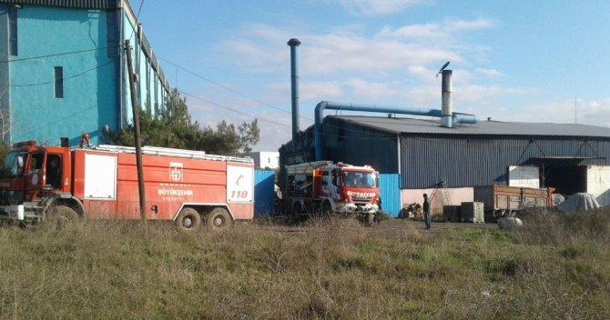 Kocaeli'de döküm fabrikasında yangın