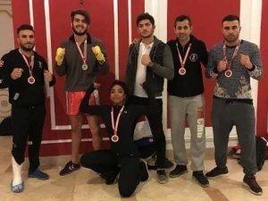 İlk kez katıldıkları şampiyonada madalyaları topladılar