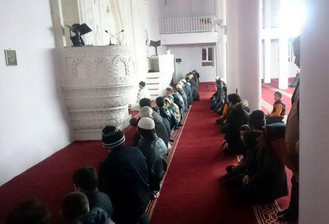 Midyatlı öğrenciler sabah namazında bir araya geldi