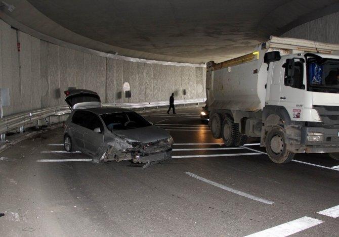 Alt geçitte trafik kazası: 1 yaralı