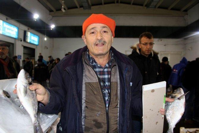 Samsun'dan Türkiye'nin dört bir yanına balık gönderiliyor