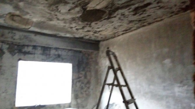 AK Parti'den yangın mağduru aileye ziyaret