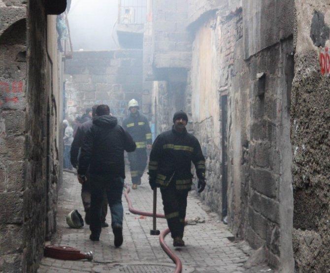 Sur'da cinayet sonrası evlerin kundaklandığı iddiası