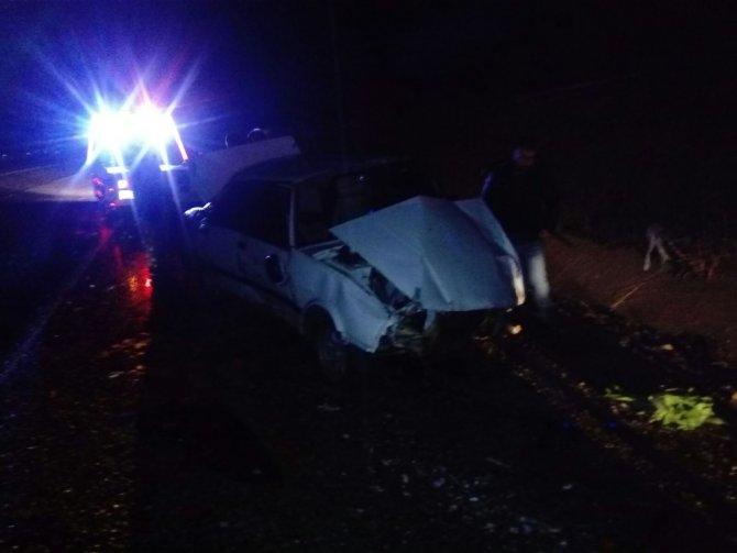 Takla atan otomobilin sürücüsü kaçtı