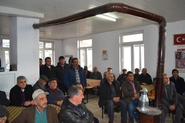 Kaymakam Akdaş, köy ziyaretlerinde