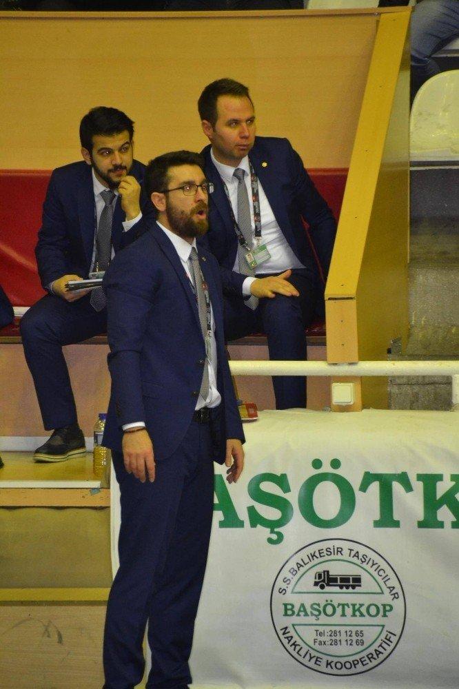 Karesispor, kötü gidişe DSİ maçı ile son vermek istiyor
