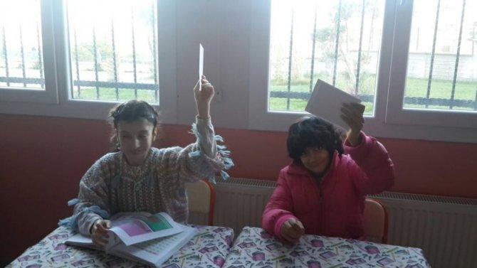 Burhaniye'de özel öğrenciler mektup arkadaşlığı başlattı