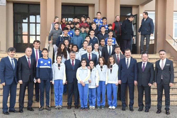 Vali Yazıcı, Karesi Belediyesini örnek gösterdi