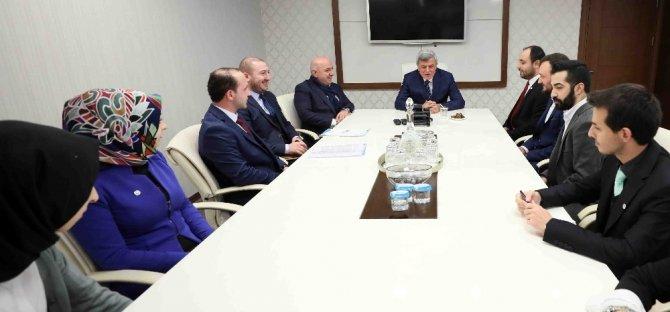 Başkan Karaosmanoğlu Yeşilay Şubesini misafir etti