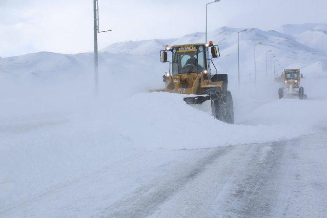 Kayseri'de 144 mahalle yolu ulaşıma açıldı