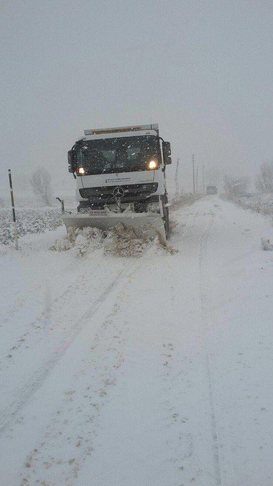 İzmir'de karla mücadele başladı