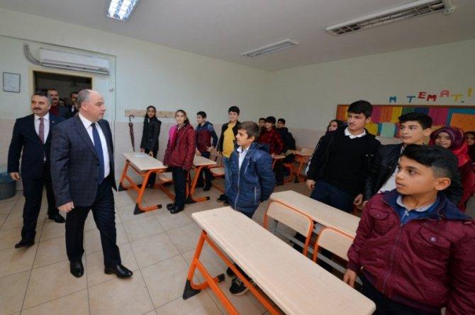 Osmaniye'de 125 bin öğrenci karne heyecanı yaşadı