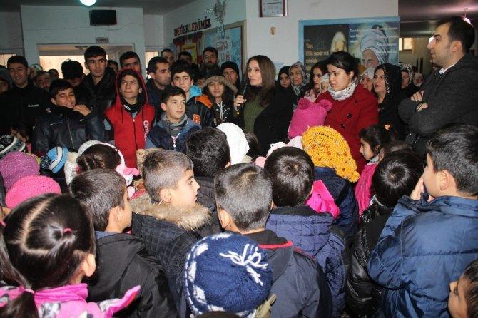 Midyat'ta öğrenciler karnelerini aldı