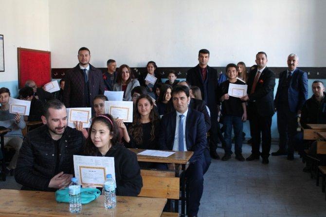 Milas'ta 23 bin öğrenci karne sevinci yaşadı