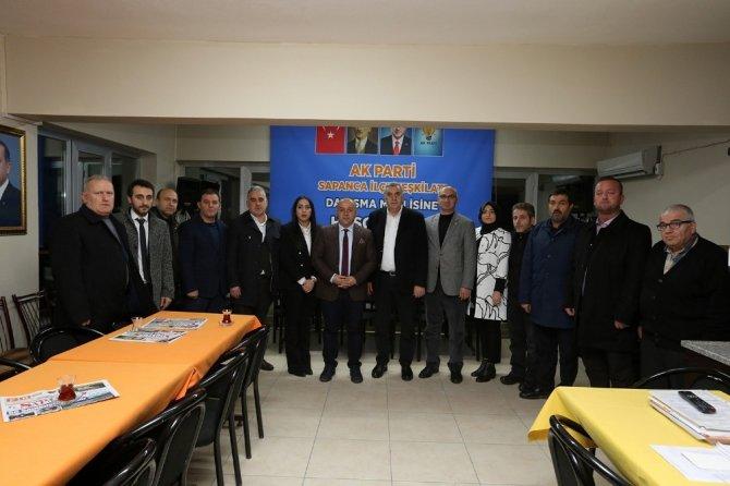 Başkan Toçoğlu, AK Parti Sapanca İlçe Teşkilatıyla toplantıda bir araya geldi