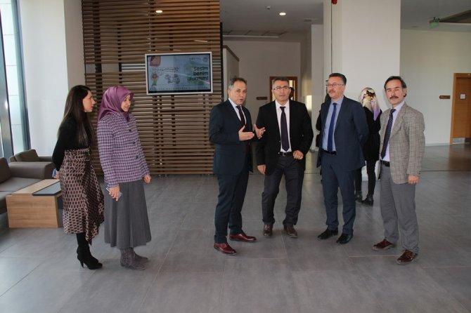Aile ve Sosyal Politikalar Bakanlığı kurmaylarından SGM'ye ziyaret
