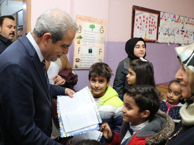 Başkan Demirkol öğrencilerin karne mutluluğuna ortak oldu