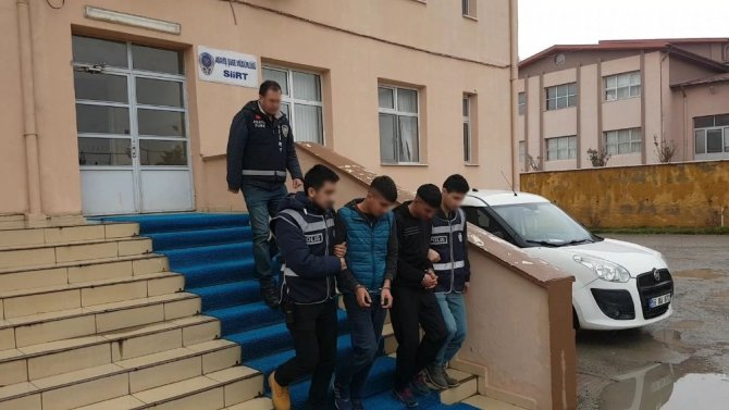 Siirt'te markette hırsızlık yaptıkları belirtilen 3 şüpheli tutuklandı
