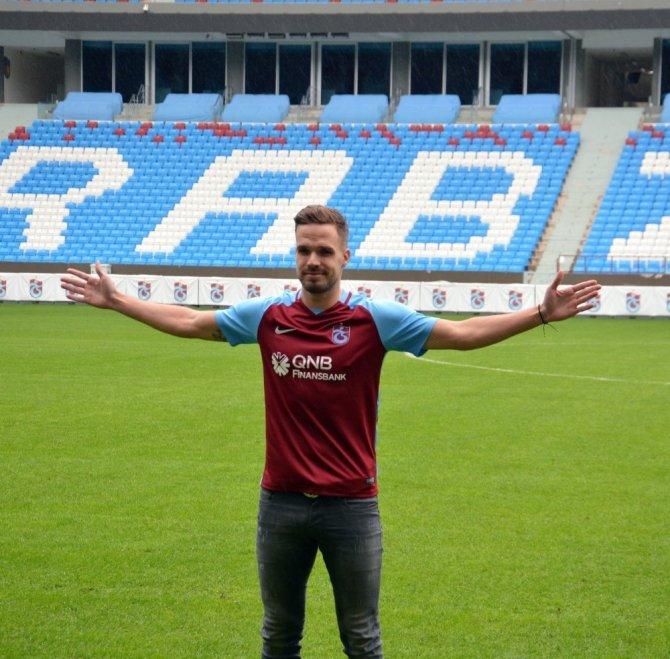 Trabzonspor, Filip Novak ile sözleşme imzaladı