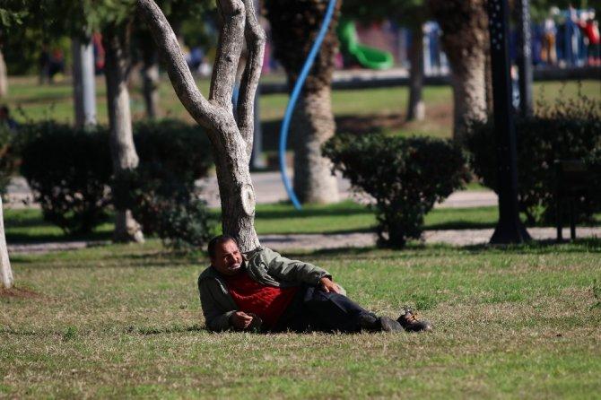 Mersin'de yazdan kalma bir gün yaşanıyor