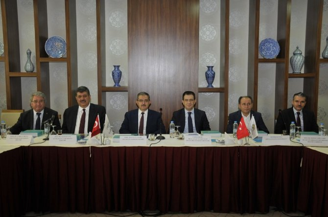 Selçuk Üniversitesinde, üniversitesi-sanayi işbirliği konuşuldu