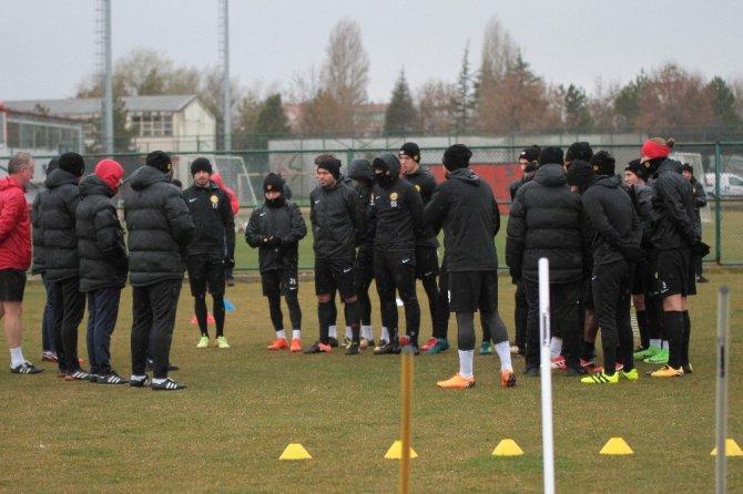 Eskişehirspor, Adana Demirspor maçına hazırlanıyor