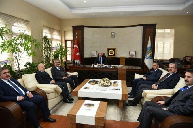 OKA yönetim kurulundan Başkan Gül'e hayırlı olsun ziyareti