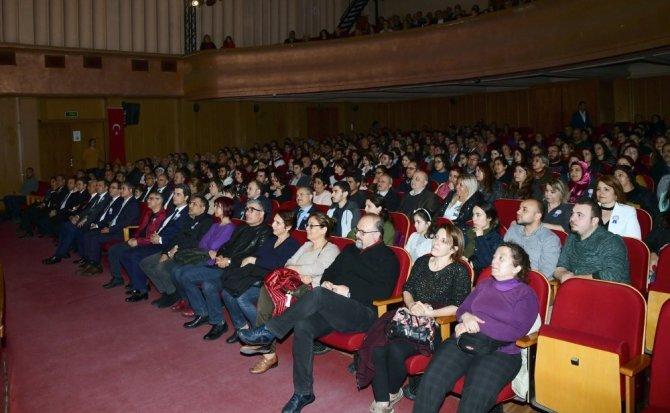 """Adana Şehir Tiyatrosu """"Boyacı""""yı maliyeciler için sahneledi"""