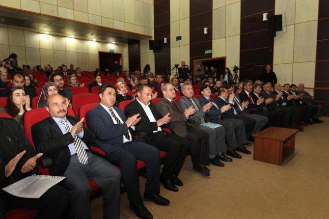 """Bitlis'te """"28 Şubat Darbesi ve Türkiye"""" paneli"""