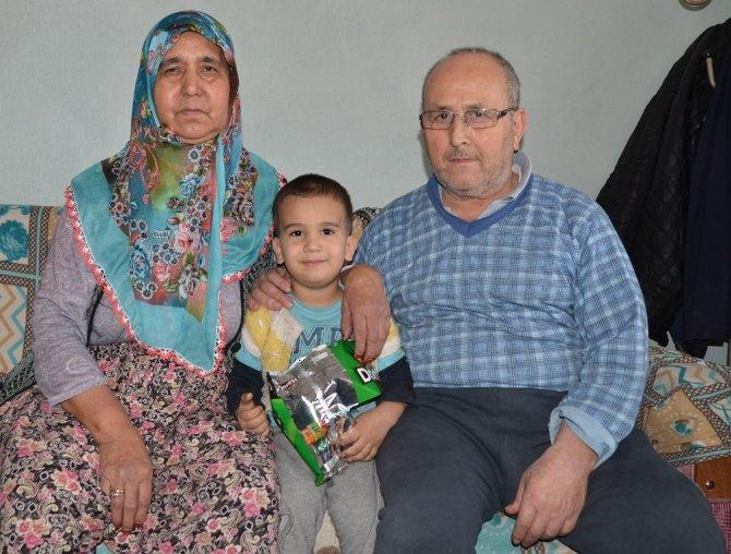 İtfaiye erinin yangından kurtardığı aile konuştu